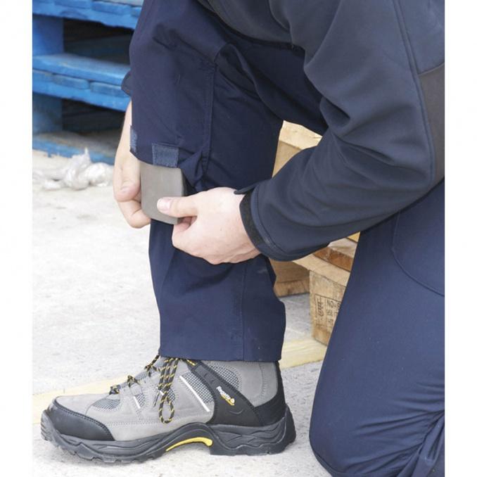 Kneepads & Footwear